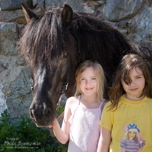 Minda och kompis med Fylkir